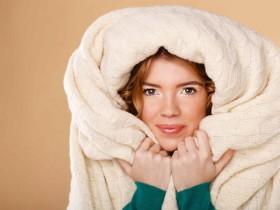 发烧了,为什么我们有时候反而感觉到很冷?
