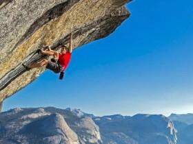 看完《徒手攀岩》,连石墨烯都会爬高了
