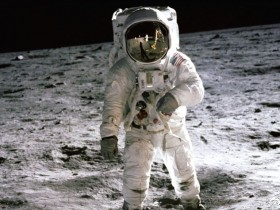 阿波罗是怎么飞回地球的