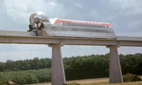 法国昙花一现的飞行无轨列车