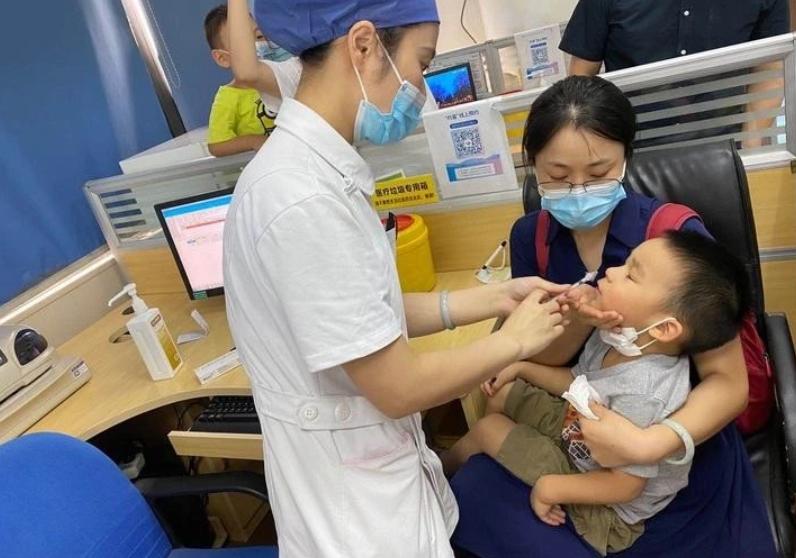 天天催着新冠疫苗上市,现成的流感疫苗也没见你打啊!